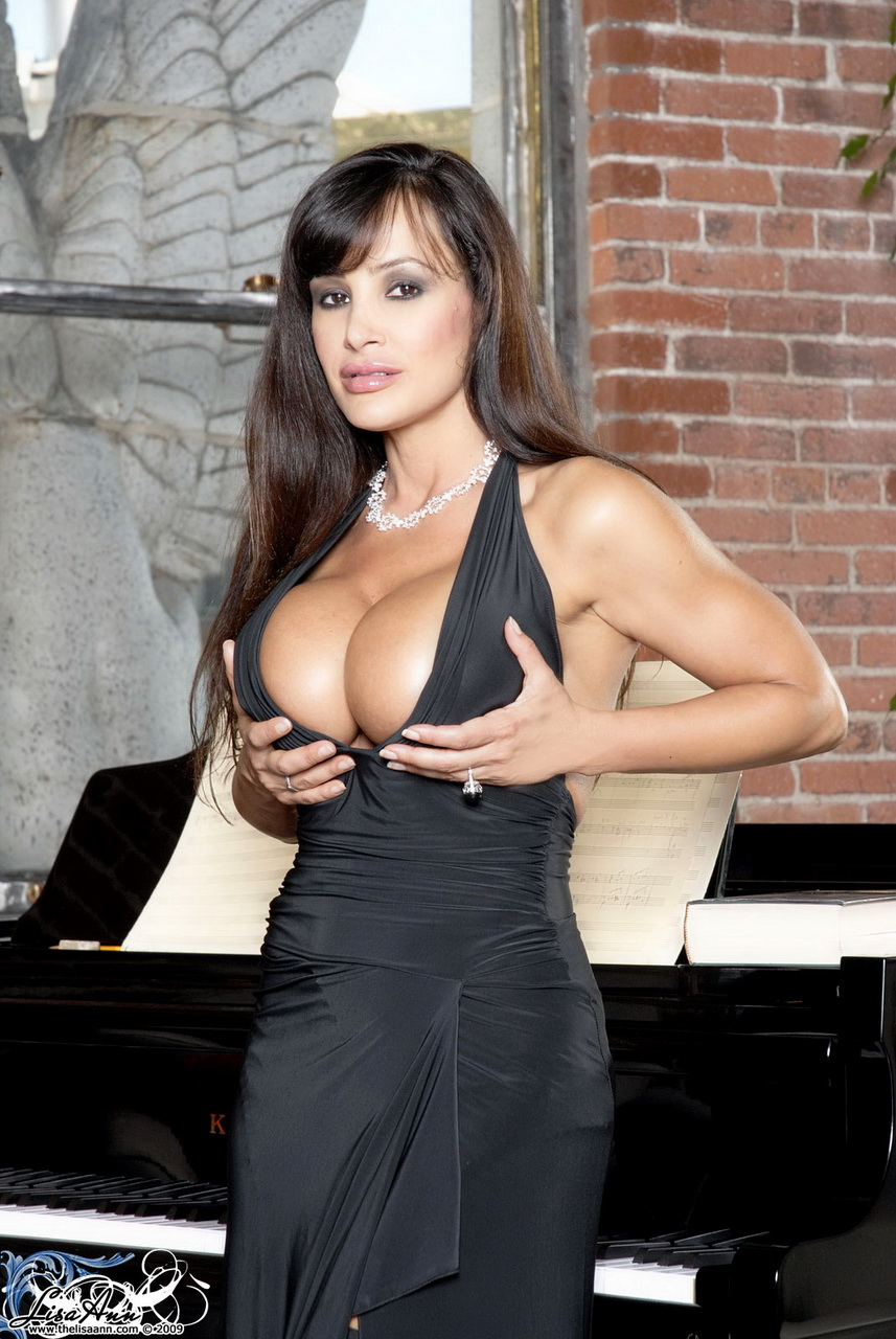 Lisa ann in 20s