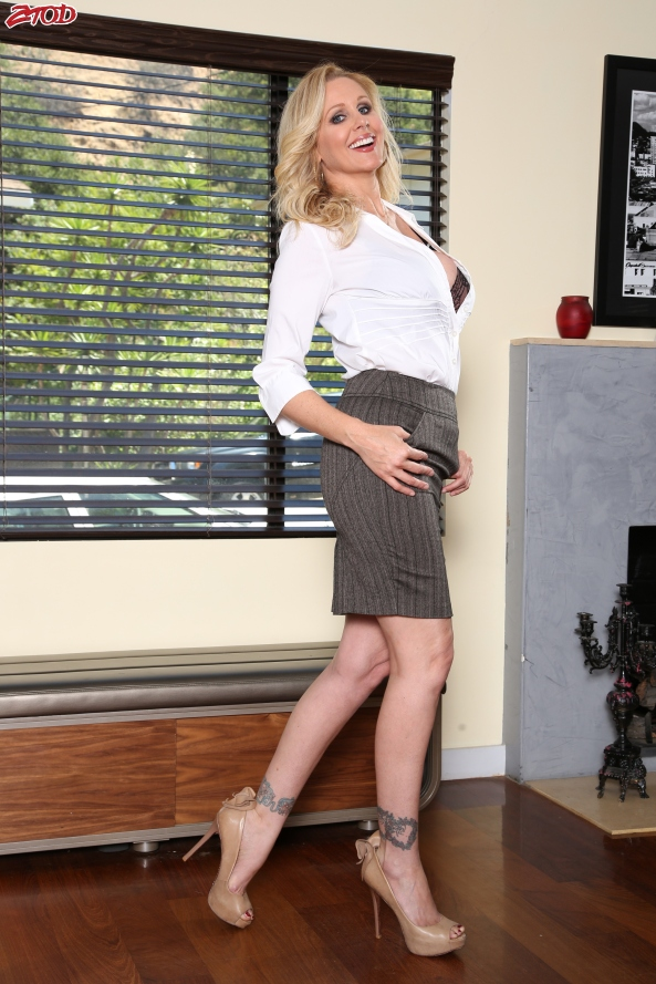 julia ann pencil skirt